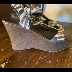 attention Shoes - Women's Size 9 zebra wedges